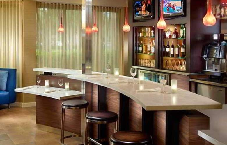 Courtyard by Marriott West Palm Beach - Bar - 3