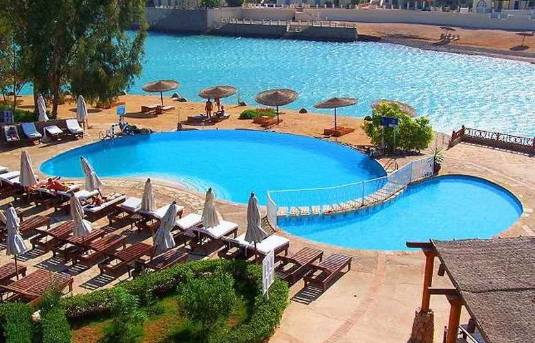 Sultan Bey Hotel - Pool - 4