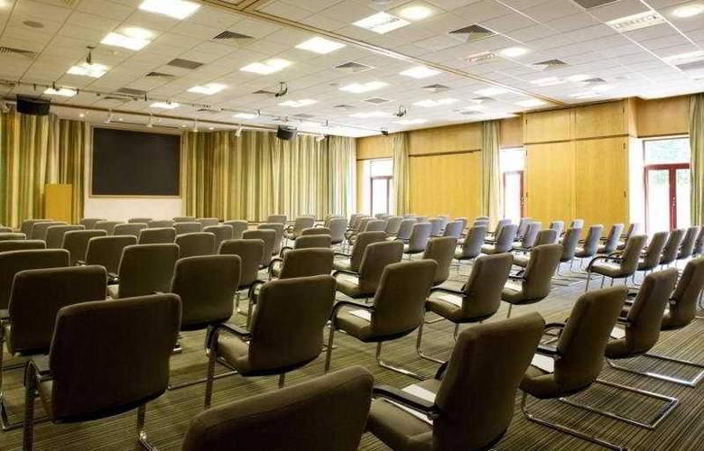 De Vere Latimer Place - Conference - 5