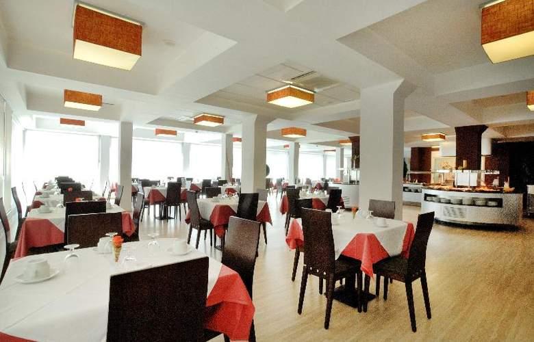 President - Restaurant - 10