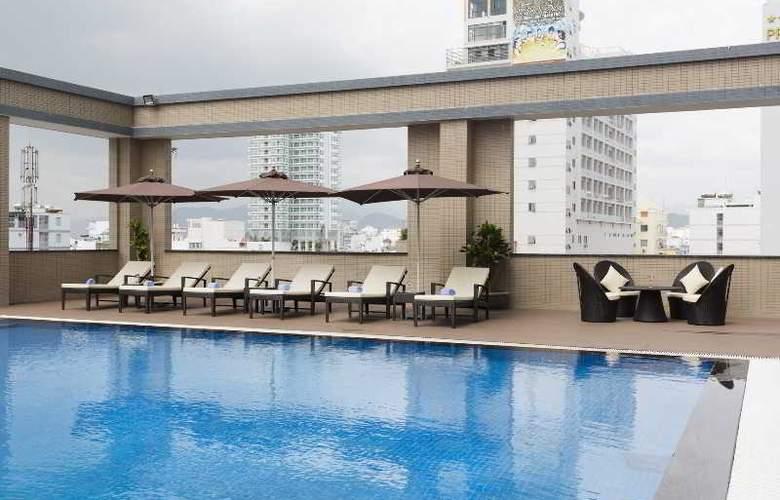 Muong Thanh Nha Trang Centre Hotel - Pool - 54