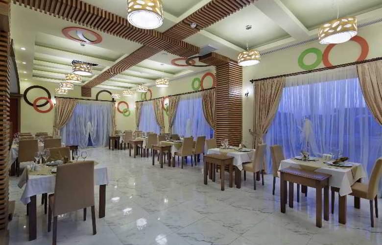 Zen The Inn Resort & Spa - Restaurant - 18