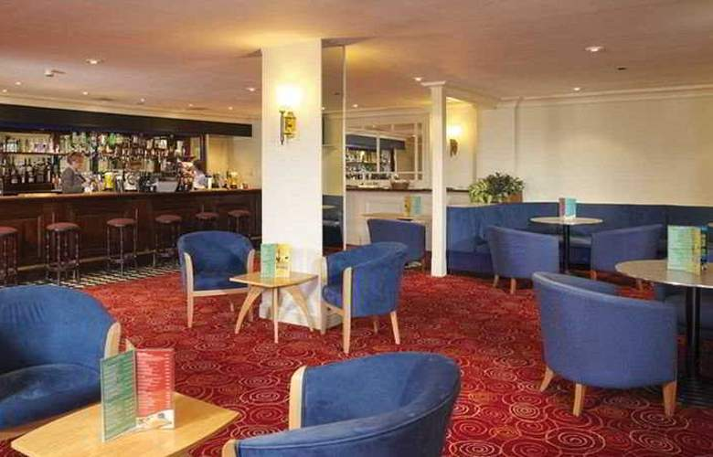 Airport Inn Gatwick - Bar - 1