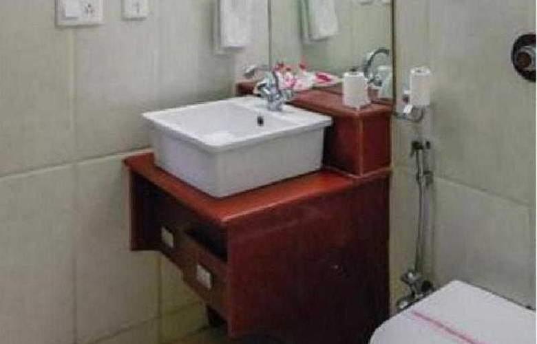 Sun Hotel Agra - Room - 8