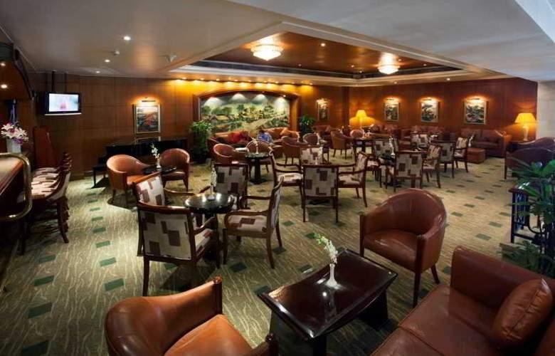 Saigon Prince - Bar - 22