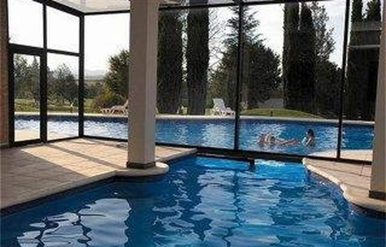 Crowne Plaza Cordoba - Pool - 1