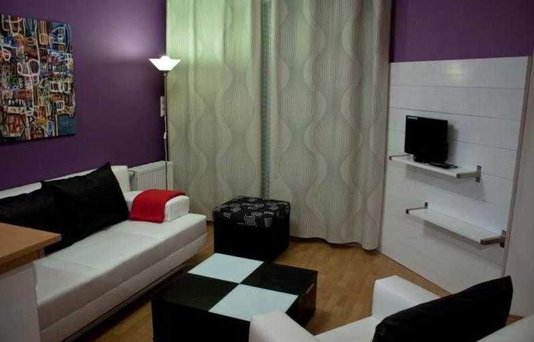 Far Home Apartments - Room - 7