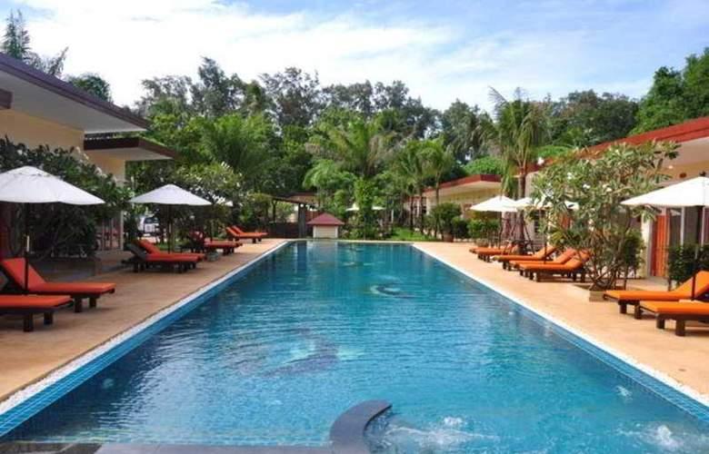 Phuket Sea Resort (formely Maalai Resort) - Pool - 8