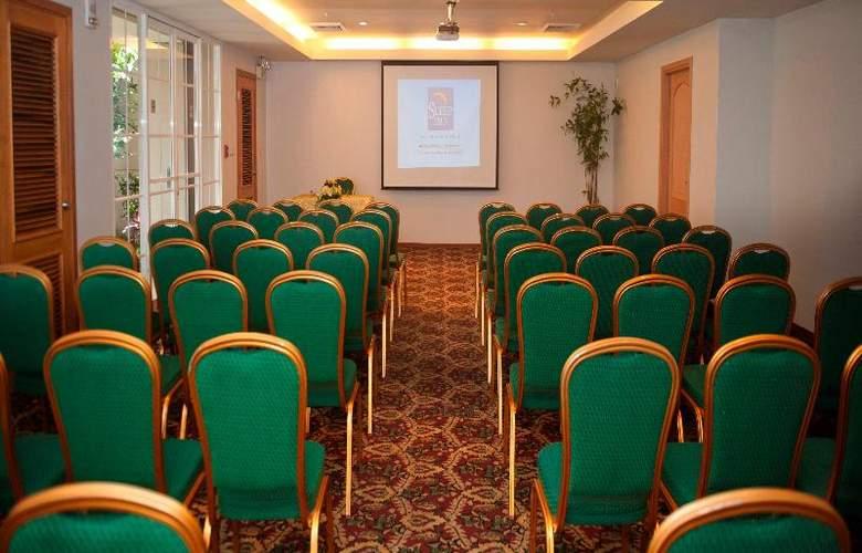 Sleep Inn Paseo Las Damas - Conference - 9
