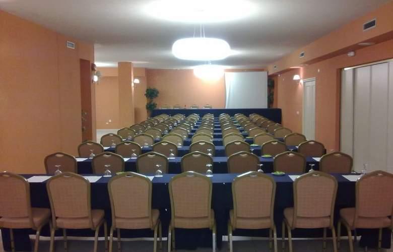 Santiago Apostol - Conference - 4