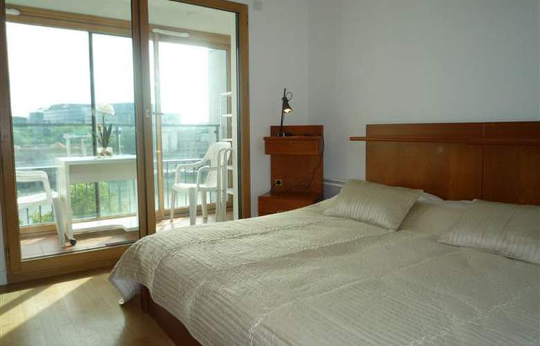 Francoise Dolto Three Bedroom Apartment - Hotel - 0