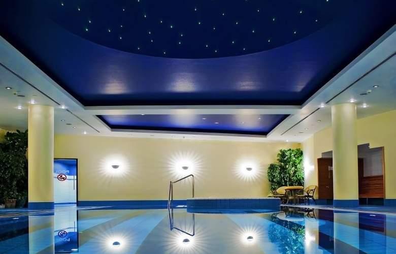 Radisson BLU Centrum Warsaw - Pool - 5