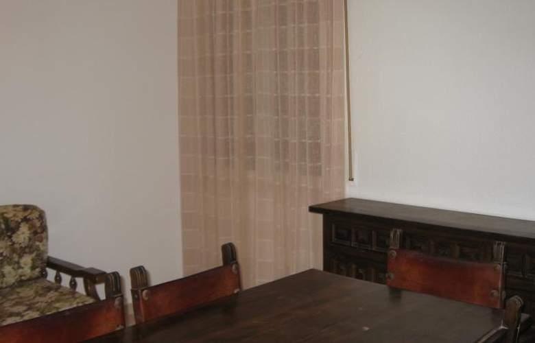 Apartamentos Hesperia, Flandria y Alfonso I - Room - 10