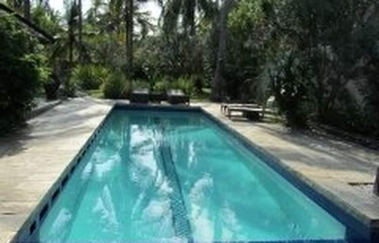 Kelapa Luxury Villas - Pool - 5