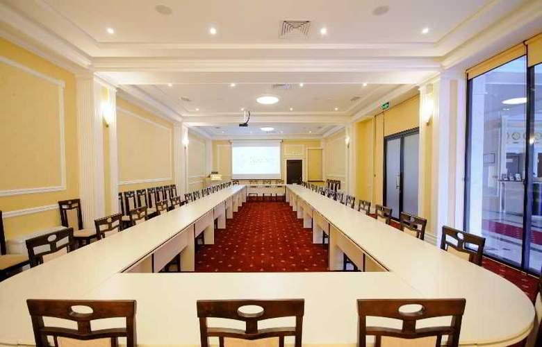 Regency - Conference - 11