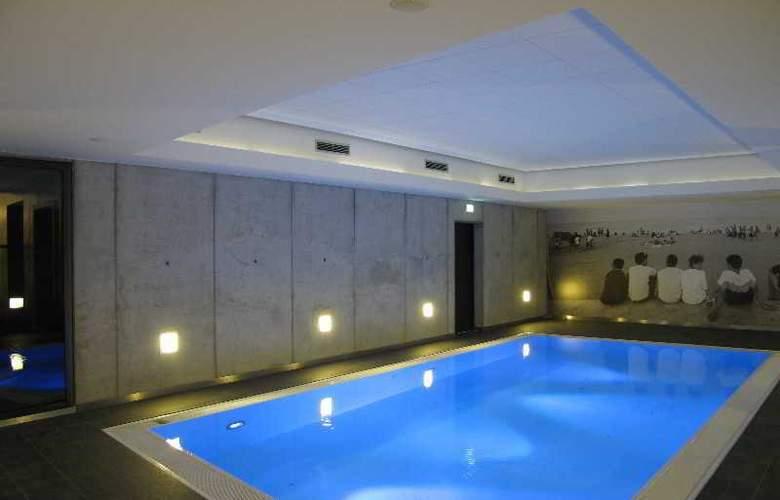 Designhotel ÜberFluss Bremen - Pool - 2