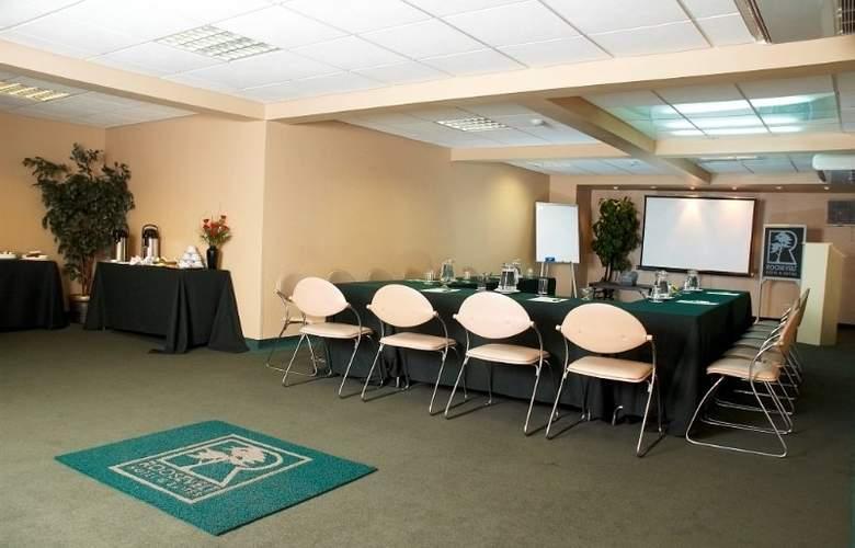 Roosevelt Hotel & Suites - Conference - 7