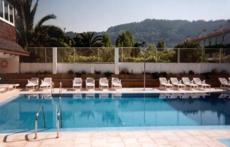 Sarga Sentirgalicia - Pool - 8