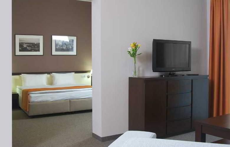 Ramada Lviv - Room - 8