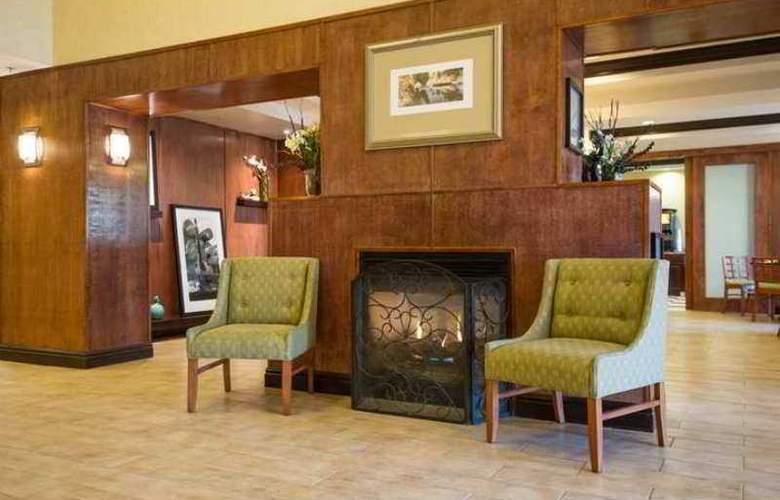 Hampton Inn Brattleboro - Hotel - 0