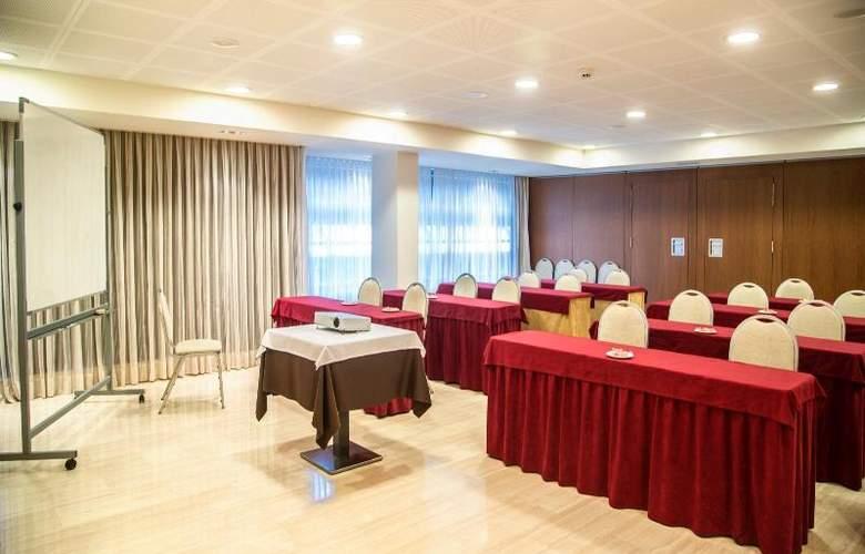 Centric Atiram - Conference - 15