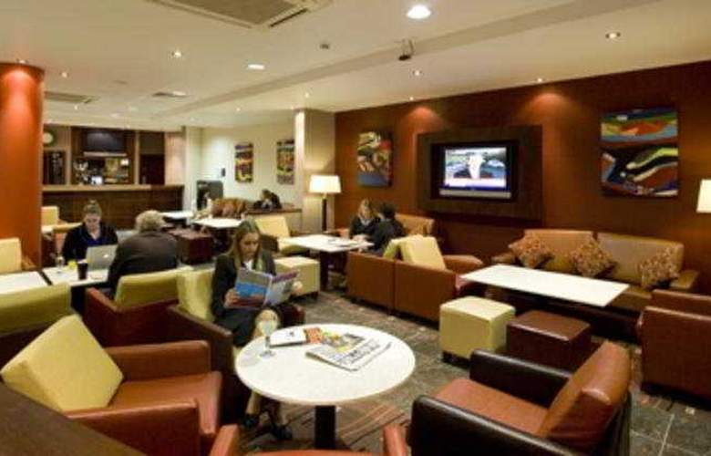 Holiday Inn Express Dublin Airport - General - 2