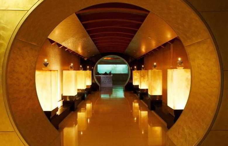 Centara Grand Beach Resort and Villas Krabi - Bar - 45