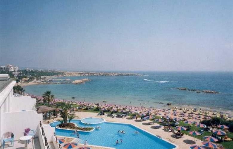 Corallia Beach Apartments - Pool - 4