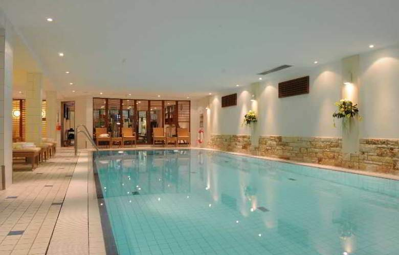 Radisson Blu Hotel Bremen - Pool - 11