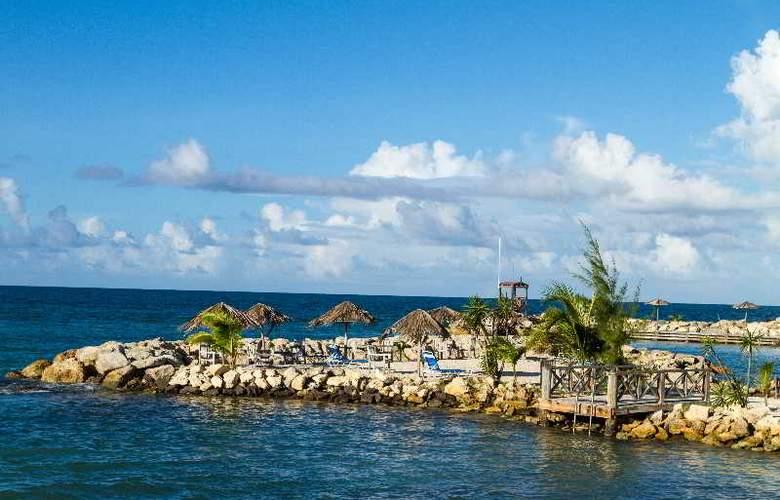Ocean Point Residence Hotel & Spa - Beach - 3