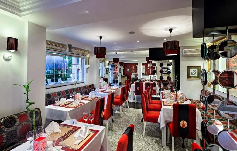 Club Hotel Sera - Restaurant - 26