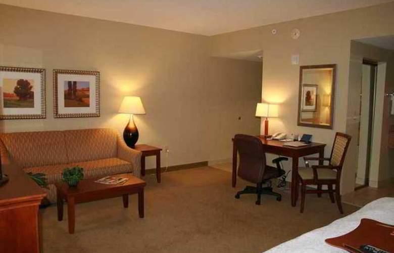 Hampton Inn & Suites Albany Airport - Hotel - 2