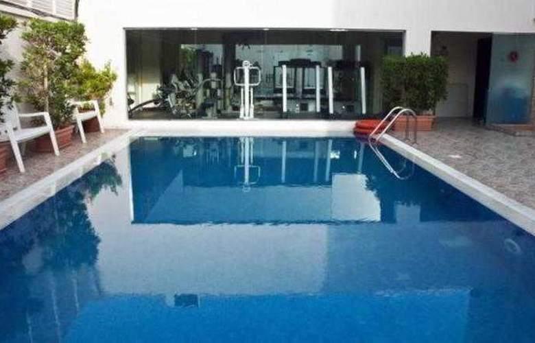 Regent Beach Resort Jumeirah - Pool - 14