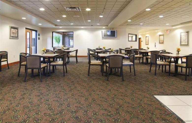 Best Western Plus Coon Rapids North Metro Hotel - Restaurant - 71