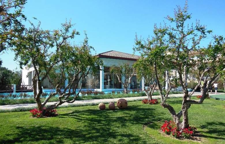 La Dorada Prinsotel - Terrace - 11