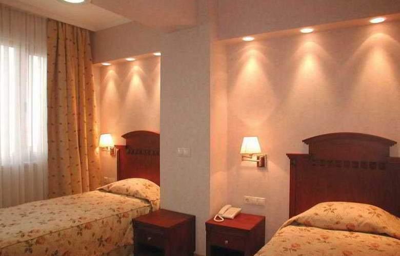 Mina - Room - 5