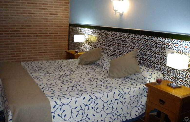 La Estancia - Villa Rosillo - Room - 24