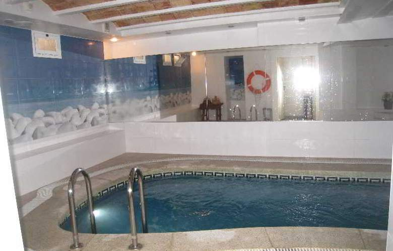 Hermes - Pool - 23