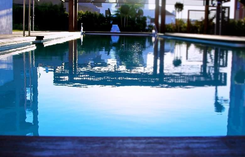 AMA Islantilla Resort - Pool - 11