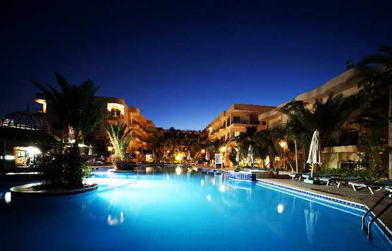 Bella Vista Resort - Pool - 2