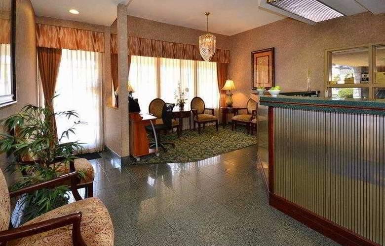 Best Western Airport Plaza Inn - Hotel - 16