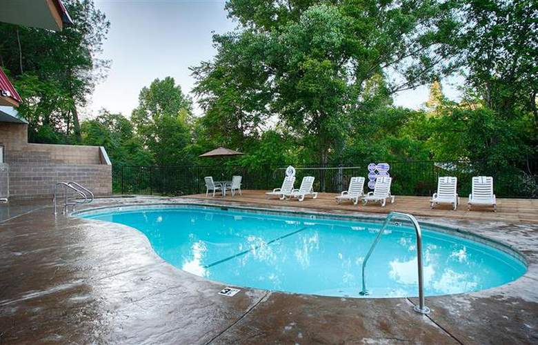 Best Western Plus Yosemite Way Station - Pool - 29