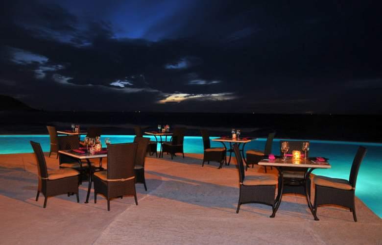 Crowne Plaza Resort Mazatlan - Restaurant - 45