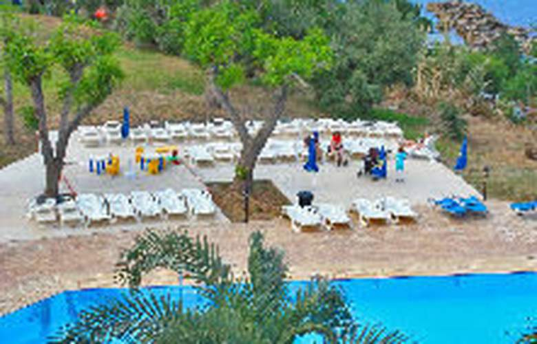 Myro Androu Hotel Apts - Pool - 7
