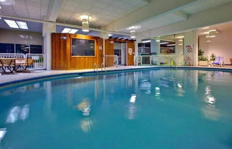 Holiday Inn Kingston Waterfront - Pool - 15