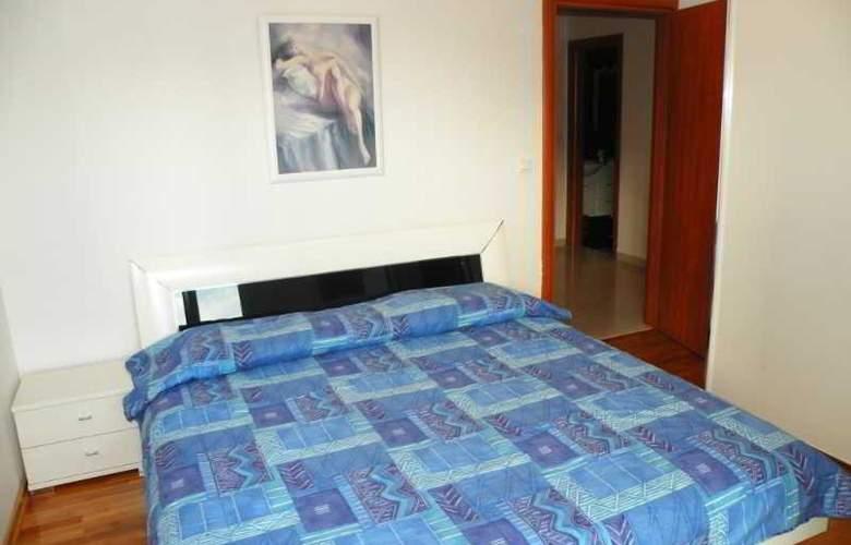 Villa Rosa - Room - 13