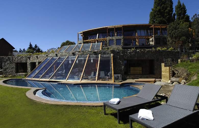 RH Rochester Bariloche - Pool - 5