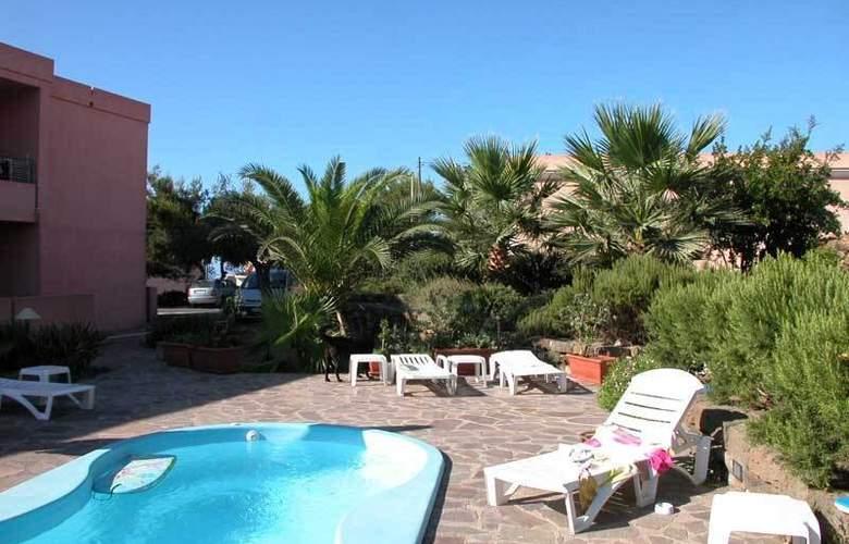 Casa Vacanze Perla Rosa - Pool - 5