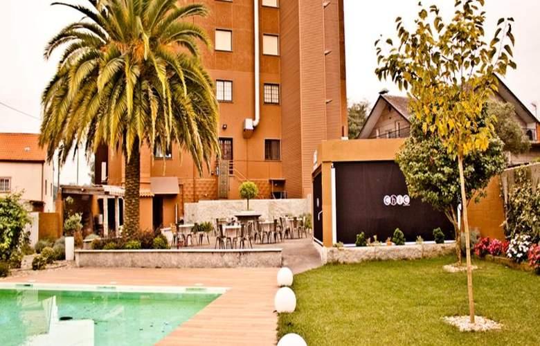 Corona de Galicia - Pool - 27