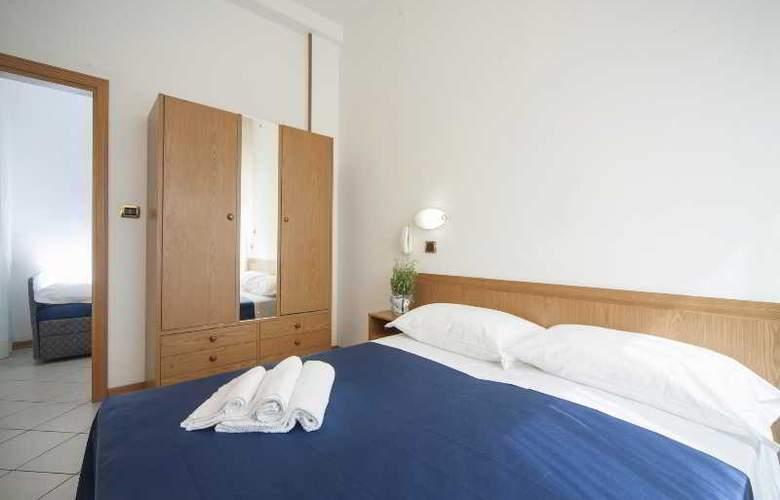 Manola - Room - 12